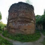 Тараканівський форт. Ефектна фортеця у заростях борщівника