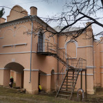 Капустяни. Палац Щеньовських та костьол-бібліотека