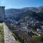 Албанія. Гірокастра Gjirokastra - срібне місто навколо замку