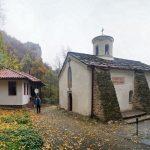 Болгарія. Скельний монастир Івана Пусти