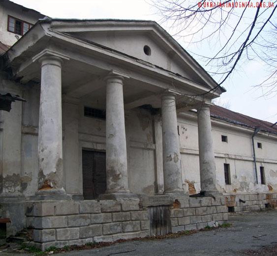 Склади Браницьких. Унікальна пам'ятка господарської архітектури 18 століття.