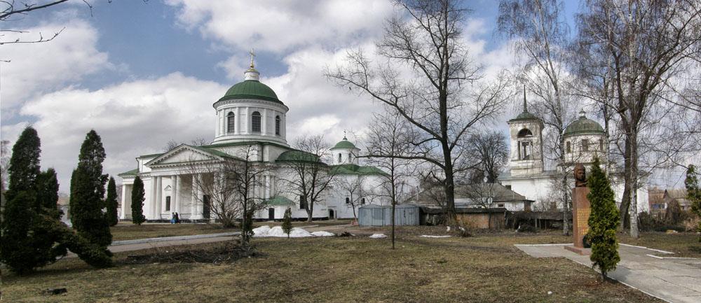 Нежин. Греческие церкви