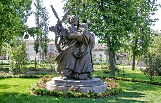Батурин. Памятник