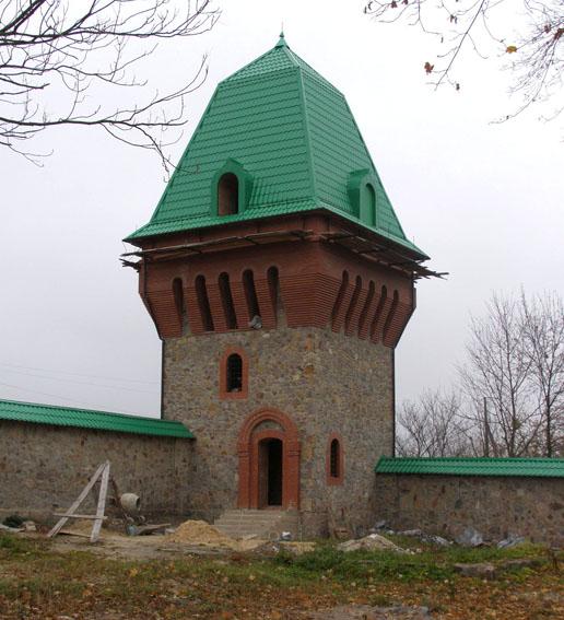 башта монастиря
