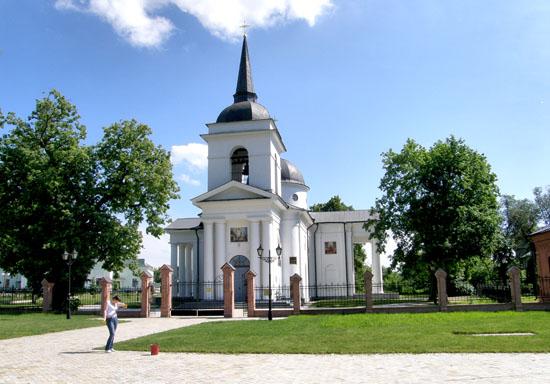 Батурин. Воскресенская церковь
