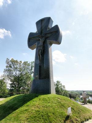 Батурин. Памятник Батуринской трагедии