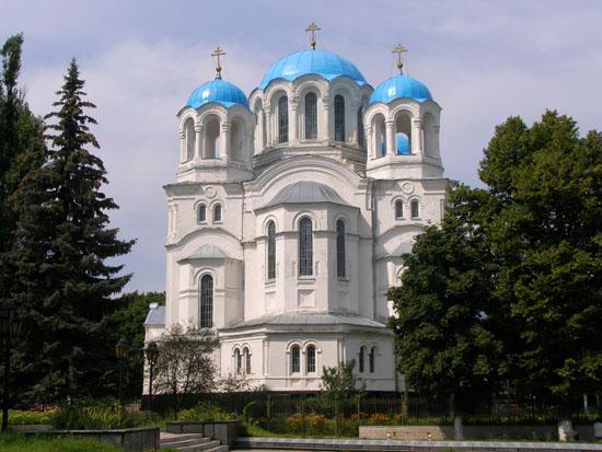 Глухов. Трех-Анастасиевская церковь